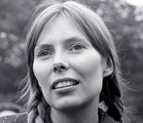 Joni-Mitchell-photo-by-Dan-Beach